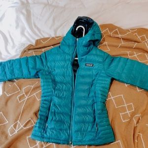 Blue Patagonia down jacket (xs)